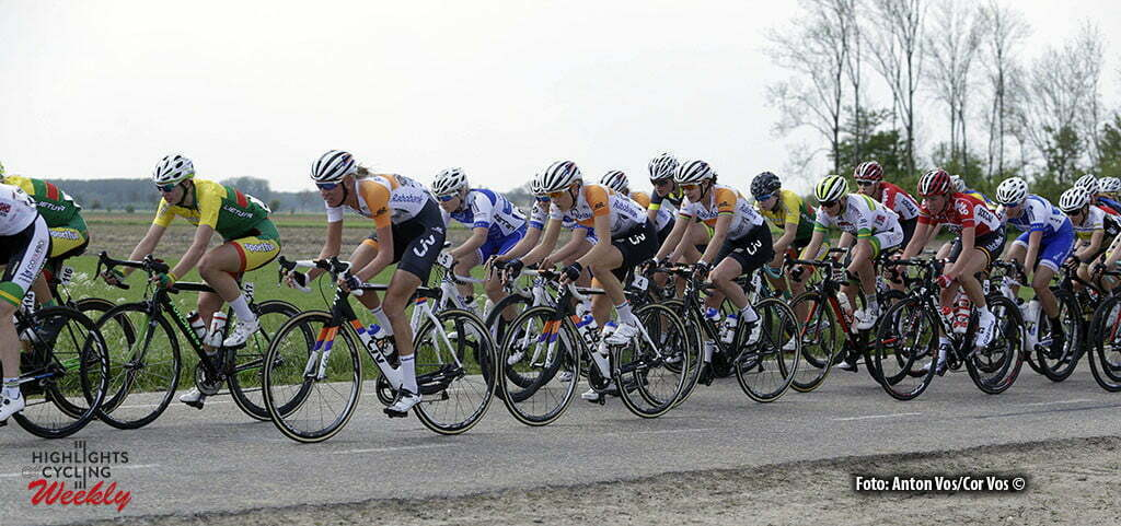 Aalburg - Netherlands - wielrennen - cycling - radsport - cyclisme - Tenniglo Moniek (Netherlands / Rabobank Liv Women Cycling Team) - Gillow Shara (Australia / Rabobank Liv Women Cycling Team) Vos Marianne (Netherlands / Rabobank Liv Women Cycling Team) pictured during the Rabobank 7-Dorpenomloop 2016 in Wijk en Aalburg - photo Anton Vos/Cor Vos © 2016