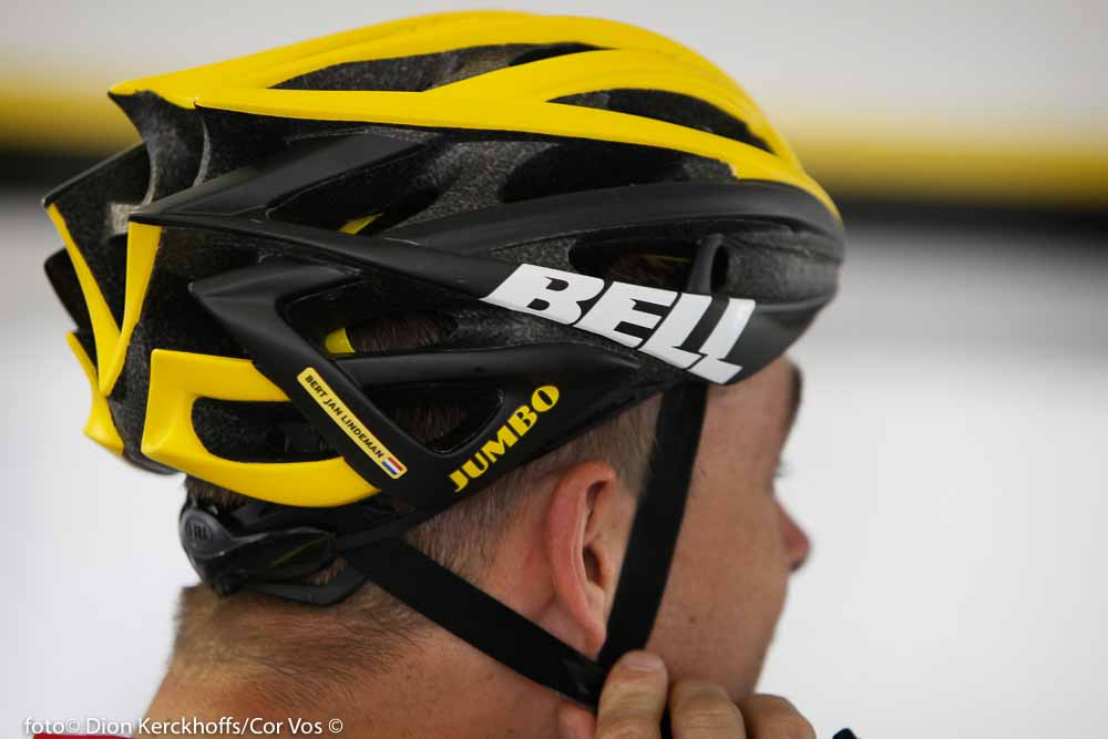 Adelaide - Australia - wielrennen - cycling - radsport - cyclisme - the Bell Helmet of Bertjan Lindeman (Netherlands / Team Lotto Nl - Jumbo) pictured during the day's before the start of the Santos Tour Down Under 2016 - photo Dion Kerckhoffs/Cor Vos © 2016
