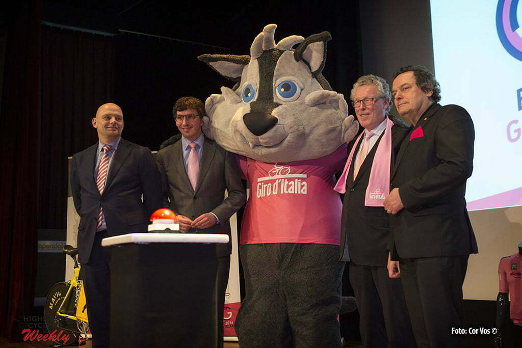 Arnhem - Papendal - Netherlands - wielrennen - cycling - radsport - cyclisme - mascotte Lupo Wolfie and aldermen Ben van Hees, Nathan Stukker, Gerrie Elfrink en deputy Jan Markink pictured during the Kick-off 99 days till start of Giro D'Italia 2016 in Apeldoorn, the Netherlands - photo Cor Vos © 2016
