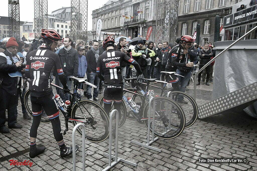 Luik - Belgium - wielrennen - cycling - radsport - cyclisme - illustration - sfeer - illustratie riders of team Giant - Alpecin pictured during Liege - Bastogne - Liege 2016 - photo Dion Kerckhoffs/Davy Rietbergen/Cor Vos © 2016