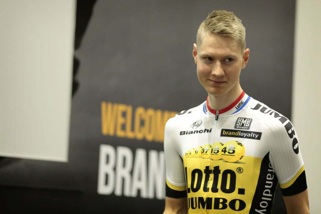 's Hertogenbosch - Netherlands - wielrennen - cycling - radsport - cyclisme - Wilco Kelderman (Team LottoNL - Jumbo) pictured during team presentation Team LottoNL - Jumbo - photo Davy Rietbergen/Cor Vos © 2015