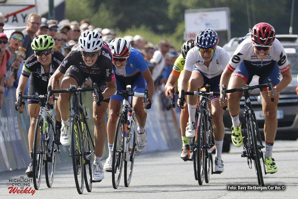 Plouay - France - wielrennen - cycling - radsport - cyclisme - Bujak Eugenia (Poland / BTC City Ljubljana) - Numainville Joelle (Canada / Cervelo Bigla) - Cecchini Elena (Italy / Canyon Sram Racing) pictured during worldtour cycling race for women elite GP Ouest France - Plouay 2016 - photo Davy Rietbergen/Cor Vos © 2016