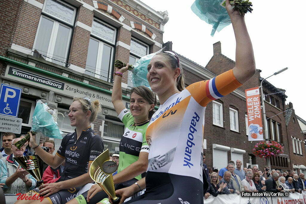 Roosendaal - Netherlands - wielrennen - cycling - radsport - cyclisme - Scandolara Valentina (Italy / Cylance Pro Cycling) - Pieters Amy (Netherlands / Wiggle High5) - Brand Lucinda (Netherlands / Rabobank Liv Women Cycling Team) pictured during - photo Anton Vos/Cor Vos © 2016