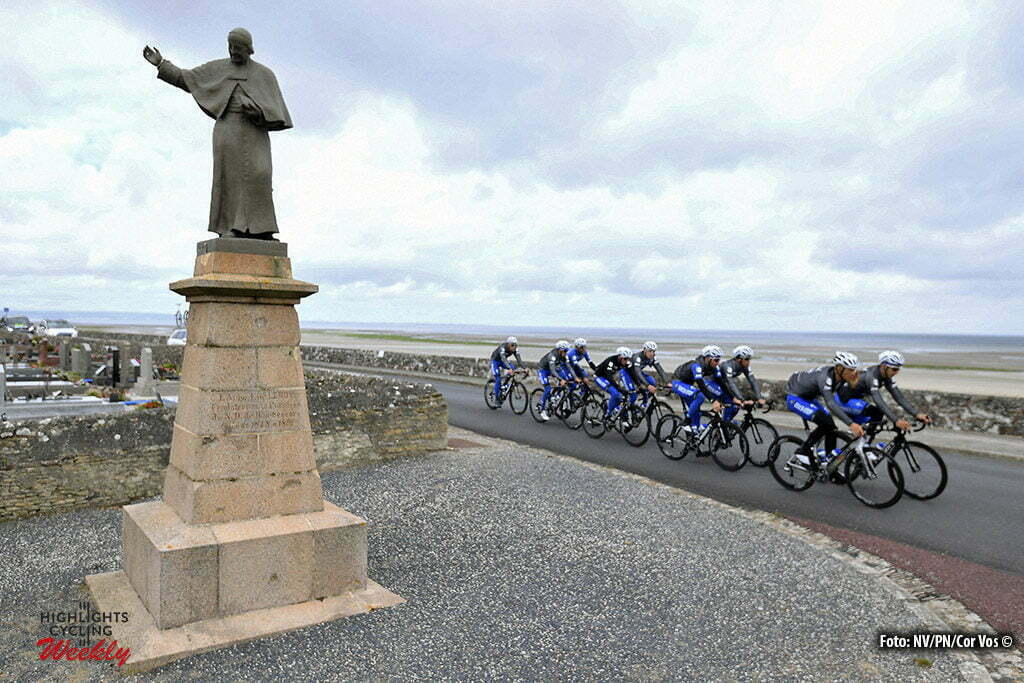 Saint-Lo - France - wielrennen - cycling - radsport - cyclisme - Team Etixx - Quick Step during a team reconnaissance of the stage 1 of the 2016 Tour de France a 188 km stage between Mont-Saint-Michel and Utah Beach Sainte-Marie-Du-Mont, on June 30, 2016 in Saint-Lo, France - photo NV/PN/Cor Vos © 2016