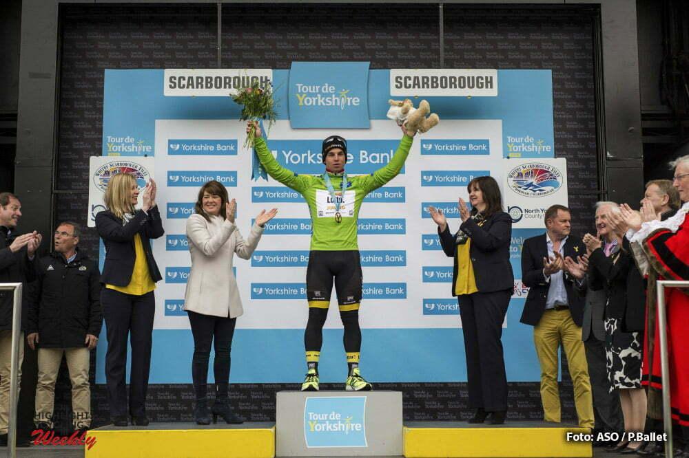 Tour de Yorkshire - 01/05/2016 - Troisieme etape : Middlesbrough / Scarborough (198km) - Royaume-Uni - Dylan GROENEWEGEN (TEAM LOTTO NL - JUMBO) sur le podium avec le maillot vert de leader au classement par points.