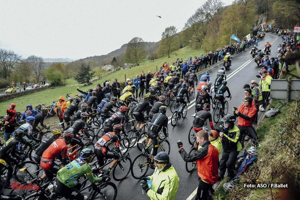 Tour de Yorkshire 2016 - 01/05/2016 - Troisieme etape : Middlesbrough / Scarborough (198km) - Royaume-Uni - Peloton a la cote de Sutton Bank