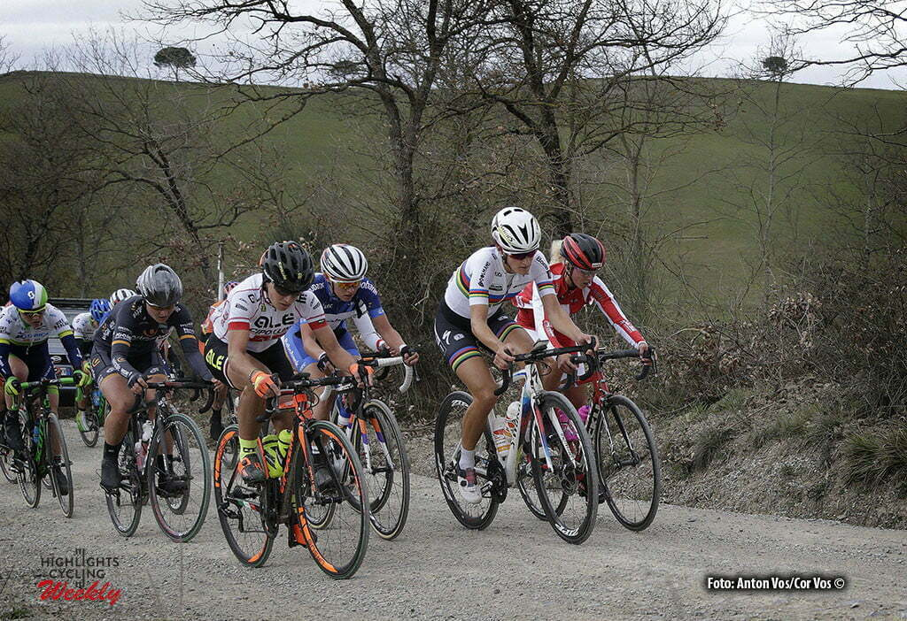 Siena - Italy - wielrennen - cycling - radsport - cyclisme - Armitstead Elizabeth Lizzie (Great Britain / Boels Dolmans Cycling Team) Neff Jolanda (Switzerland / Servetto Footon) Jasinska Malgorzata (Poland / Ale - Cipollini) pictured during Strade Bianche women 2016 - photo Anton Vos/Cor Vos © 2016