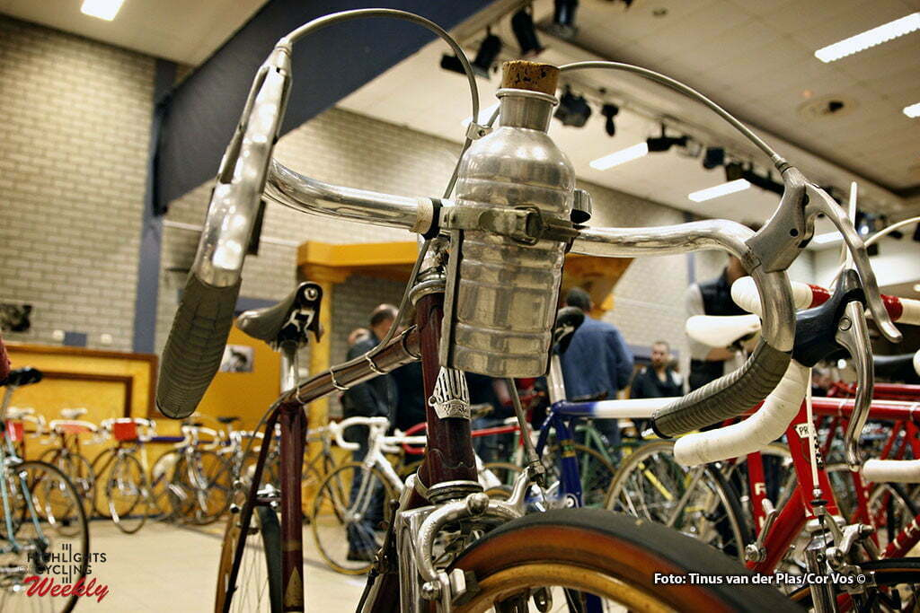 Neerkant - wielrennen - cycling - radsport - cyclisme - Klassieke Wielershow en Beurs: Het Stalen Ros - Bauer Racfiets 1948 - foto Tinus van der Plas/Cor Vos ©2010