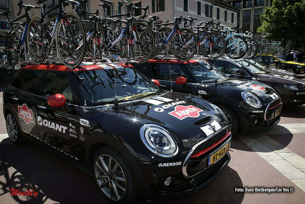 Saint-Vulbas- France - wielrennen - cycling - radsport - cyclisme - illustration - sfeer - illustratie Mini Clubman teamcar team Giant - Alpecin pictured during stage 1of the Critérium du Dauphiné 2016 from Cluses to Saint-Vulbas (186 KM) - photo LB/RB//Cor Vos © 2016