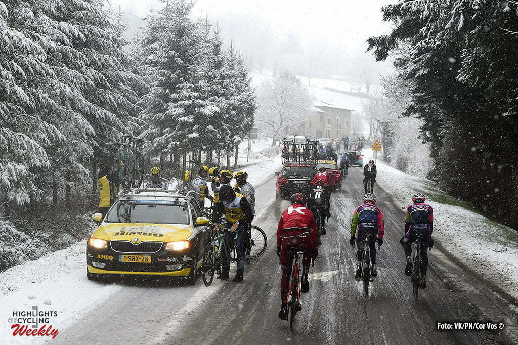Mont Brouilly - France - wielrennen - cycling - radsport - cyclisme - Race cancelled because bad weather - snow - dangerous illustration - sfeer - illustratie Team LottoNL - Jumbo during the stage 3 of the 74th Paris - Nice cycling race, a stage of 168 kms with start in Cusset and finish in Mont Brouilly, France - photo VK/PN/or Vos © 2016
