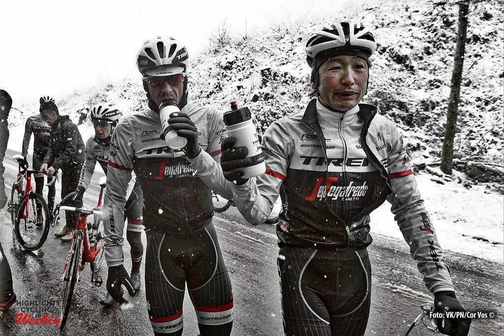 Mont Brouilly - France - wielrennen - cycling - radsport - cyclisme - Beppu Fumiyuki (Japon / Trek Factory Racing) Race cancelled because bad weather - snow - dangerous illustration - sfeer - illustratie Illustration picture of the peloton Landscape Bunch Postcard during the stage 3 of the 74th Paris - Nice cycling race, a stage of 168 kms with start in Cusset and finish in Mont Brouilly, France - photo VK/PN/or Vos © 2016