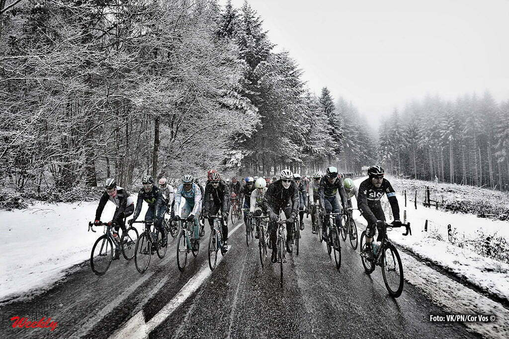 Mont Brouilly - France - wielrennen - cycling - radsport - cyclisme - Race cancelled because bad weather - snow - dangerous illustration - sfeer - illustratie Illustration picture of the peloton Landscape Bunch Postcard during the stage 3 of the 74th Paris - Nice cycling race, a stage of 168 kms with start in Cusset and finish in Mont Brouilly, France - photo VK/PN/or Vos © 2016