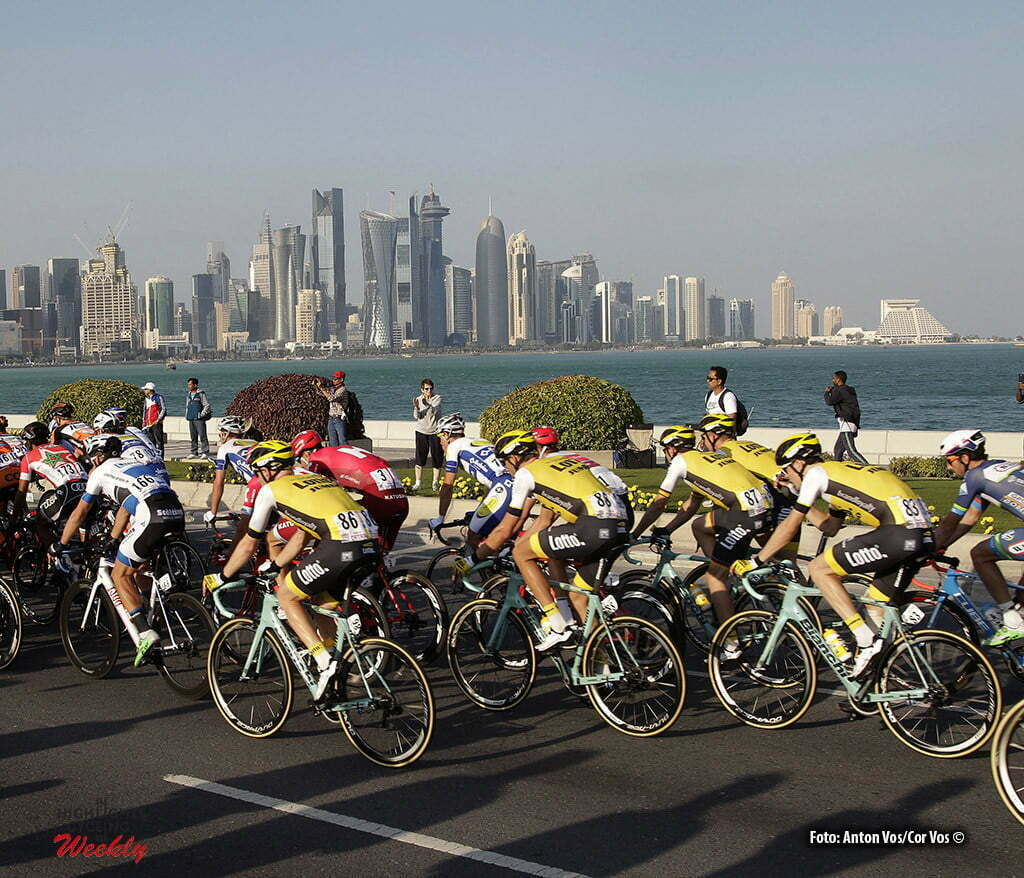 Doha Corniche - Qatar - wielrennen - cycling - radsport - cyclisme - illustration - sfeer - illustratie Lotto Nl - Jumbo pictured during Tour of Qatar Elite - Stage 5 from Sealine Beach Resort to Doha Corniche - photo Anton Vos/Cor Vos © 2016