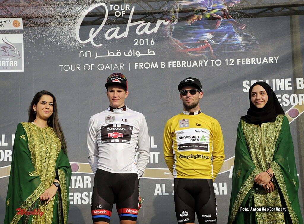 Al Kohr Corniche - Qatar - wielrennen - cycling - radsport - cyclisme - Kragh Andersen Soeren (Danmark / Team Giant - Alpecin) Cavendish Mark (GBR / Team Dimension Data) pictured during Tour of Qatar Elite - Stage 1 from Dukhan to Al Khor Corniche - photo Anton Vos/Cor Vos © 2016