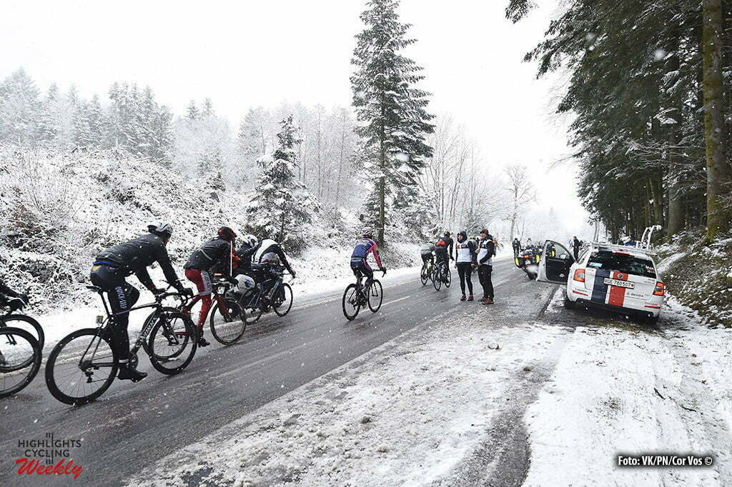 Mont Brouilly - France - wielrennen - cycling - radsport - cyclisme - illustration - sfeer - illustratie Race cancelled because bad weather - snow - dangerous illustration - sfeer - illustratie Illustration picture of the peloton Landscape Bunch Postcard during the stage 3 of the 74th Paris - Nice cycling race, a stage of 168 kms with start in Cusset and finish in Mont Brouilly, France - photo VK/PN/or Vos © 2016