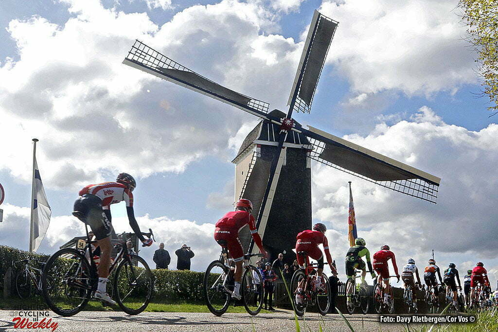 Valkenburg - Netherlands - wielrennen - cycling - radsport - cyclisme - peloton passage Windmill at the Adsteeg pictured during UCI World Tour race the Amstel Gold Race 2016 from Maastricht to Valkenburg, the Netherlands - photo Davy Rietbergen/Cor Vos © 2016