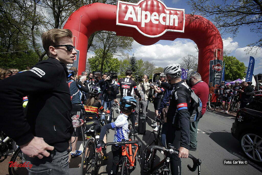 Otterlo - Netherlands - wielrennen - cycling - radsport - cyclisme - Peter Reef (Netherlands / Public Relations Team Giant - Alpecin) pictured during Greet and meet team Giant - Alpecin 2 day's before the start of the Giro D'Italia in Otterlo, the Netherlands - photo Carla&Cor Vos © 2016