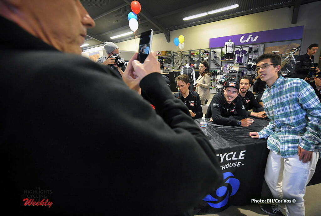 San Diego - wielrennen - cycling - radsport - cyclisme - John Degenkolb (Germany / Team Giant - Alpecin) repo illustration - sfeer - illustratie pictured during Meet and Greet voor fans and supporters of team Giant - Alpecin in San Diego, California USA - photo Brian Hodes/Cor Vos © 2016***USA-Out****