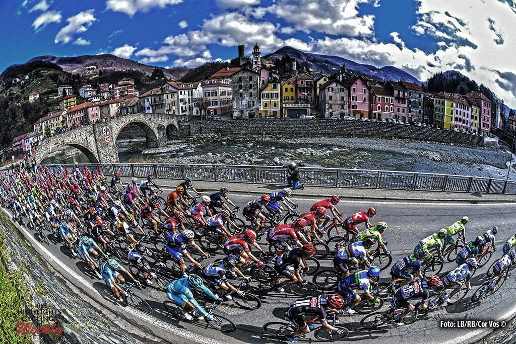 Sanremo - Italy - wielrennen - cycling - radsport - cyclisme - illustration - sfeer - illustratie passage Campo Ligure pictured during Milano - Sanremo World Tour cycling race - photo LB/RB/Cor Vos © 2016