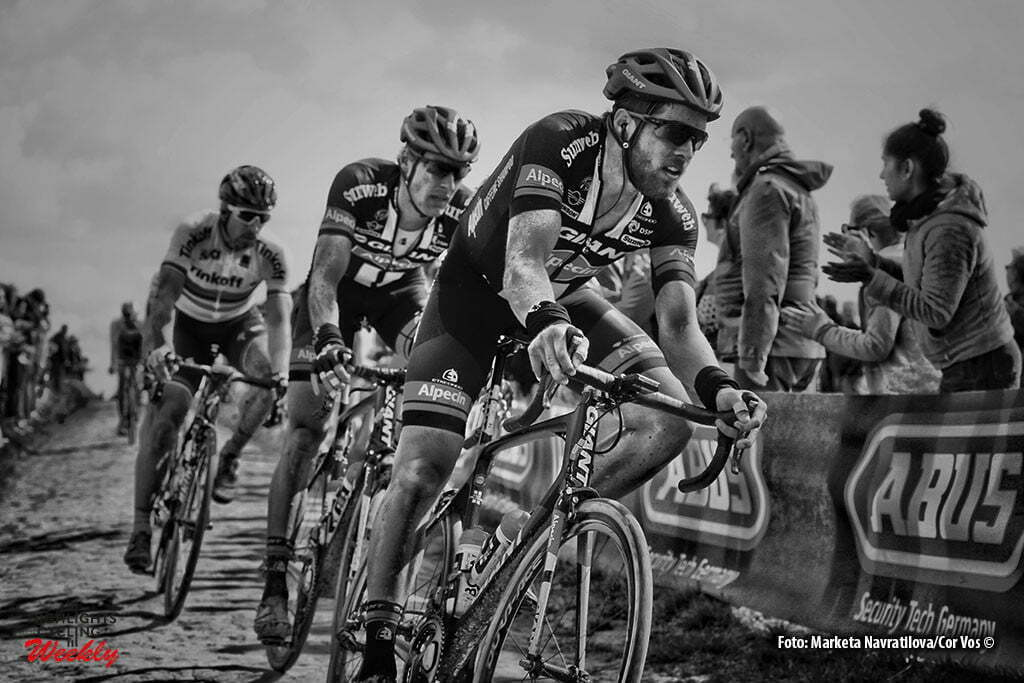 Roubaix - France - wielrennen - cycling - radsport - cyclisme -Bert De Backer (Belgium / Team Giant - Alpecin) - Ramon Sinkeldam (Netherlands / Team Giant - Alpecin) - Peter Sagan (Slowakia / Team Tinkoff - Tinkov) pictured during Paris - Roubaix 2016 World Tour Cycling rac e - photoMarketa Navratilova/Cor Vos © 2015