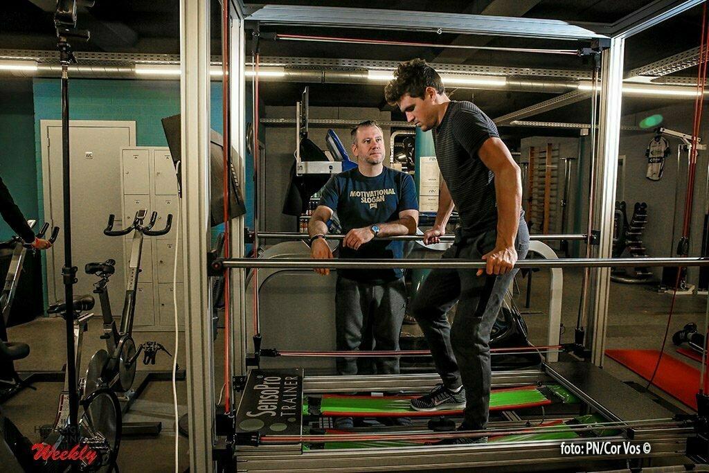 Greg Van Avermaet tijdens zijn revalidatie bij David Bombeke *** Beveren , Belgie - 29/11//2016 Photo by Pieter-Jan Vanstockstraeten / Photonews ***