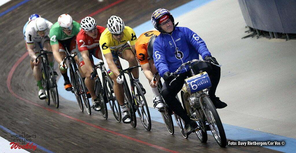 Amsterdam - Netherlands - wielrennen - cycling - radsport - cyclisme - illustration - sfeer - illustratie Ron Zijlaard (Derny) pictured during 6 Six Day Amsterdam day 5 - photo Davy Rietbergen/Cor Vos © 2016