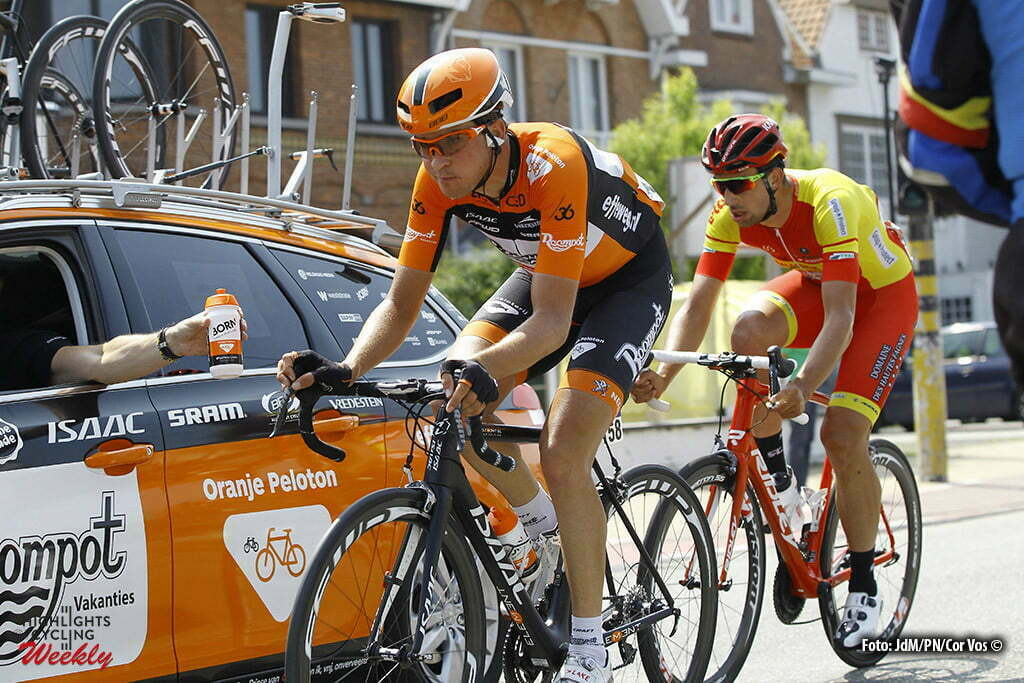 Knokke-Heist - wielrennen - cycling - radsport - cyclisme - Brian van Goethem (Netherlands / Roompot - Oranje Peloton) - Ludwig De Winter (Wallonie-Bruxelles) pictured during stage 2 of the 2016 Baloise Belgium Tour cycling race with start in Buggenhout and finish in Knokke-Heist, Belgium - photo JdM/Cor Vos © 2016
