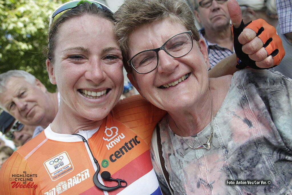 Geraardsbergen - Belgium - wielrennen - cycling - radsport - cyclisme - Van Vleuten Annemiek (Netherlands / Orica AIS) with her mother pictured during the Lotto Belgium Tour stage 3 - photo Anton Vos/Cor Vos © 2016