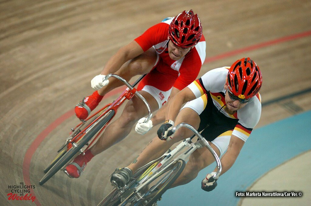 Athene-Griekenland-wielrennen-cycling Olympicsprint Elite - Rene Wolff became Germany's entrant in the semi-finals by beating Poland's Damian Zielinski twice today - foto Marketa Navratilova/Cor Vos ©2004