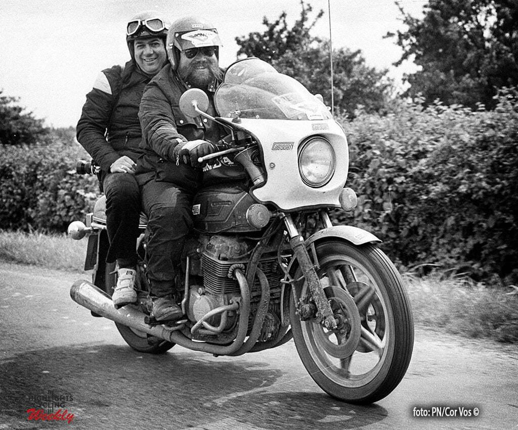 Tour de France 1980 -archief-archive-stockphoto -fotograaf Cor Vos met motard Joop Zijlaard - foto Cor Vos ©1980