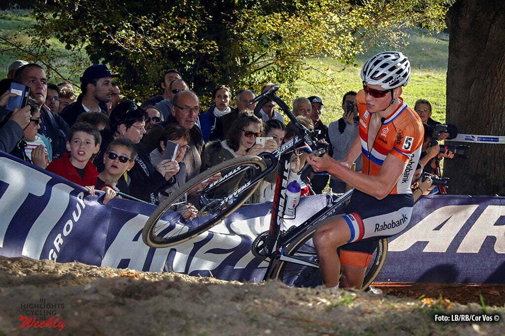 Pont-Chateau - France - cyclocross wielrennen - cycling - radsport - Mathieu van der Poel (Netherlands) pictured during the European Championships for elite men in Pont-Chateau - photo RB/RB/Cor Vos © 2016