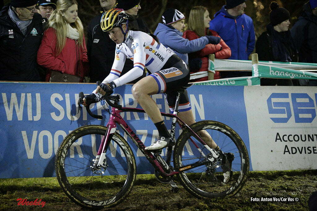 Diegem - Belgium - wielrennen - cycling - radsport - cyclisme - Brammeier Harris Nikki (Great Britain / Boels Dolmans Cycling Team) pictured during the women's elite Hansgrohe Superprestige cyclocross race of Diegem, Belgium - photo Anton Vos/Cor Vos © 2016