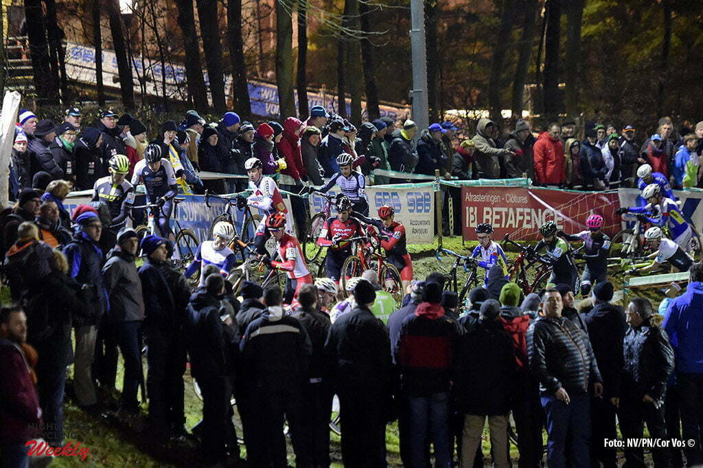 Diegem - Belgium - wielrennen - cycling - radsport - cyclisme - illustration - sfeer - illustratie general view of the peloton pictured during the elite Hansgrohe Superprestige cyclocross race of Diegem, Belgium - photo NV/PN/Cor Vos © 2016