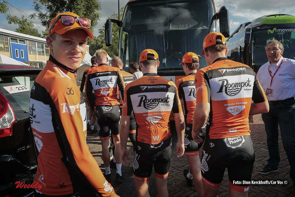 Bolsward - Netherlands - wielrennen - cycling - radsport - cyclisme - illustration - sfeer - illustratie Team Roompot - Oranje Peloton pictured during Eneco Tour teampresentation in Bolsward - photo Dion Kerckhoffs/Cor Vos © 2016