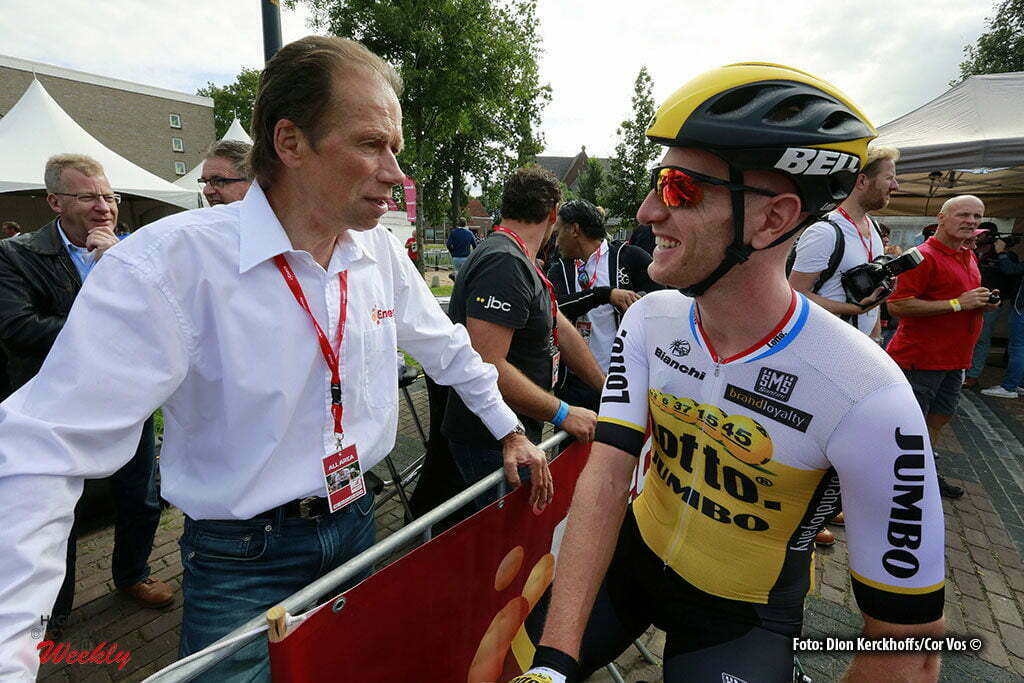 Bolsward - Netherlands - wielrennen - cycling - radsport - cyclisme - former rider Henk Lubberding talking to Jos Van Emden (Netherlands / Team LottoNL - Jumbo) pictured during Eneco Tour stage -1 - UCI World Tour) from Bolsward to Bolsward - photo Dion Kerckhoffs/Cor Vos © 2016 motard Jos Verschuur