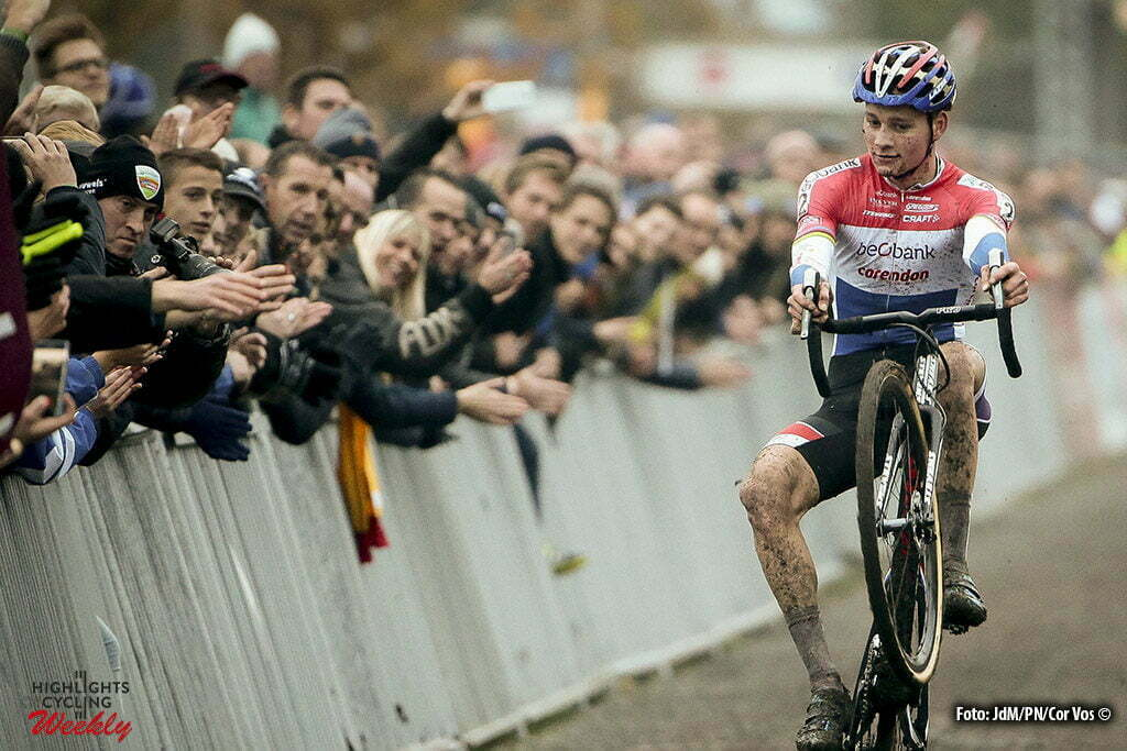 Gavere - Belgium - wielrennen - cycling - radsport - cyclisme - Van Der Poel Mathieu (NED) of Beobank-Corendon celebrates the victory ) pictured during the Hansgrohe Superprestige Men Elite cyclo-cross race in Gavere, Belgium - photo JdM/PN/Cor Vos © 2016