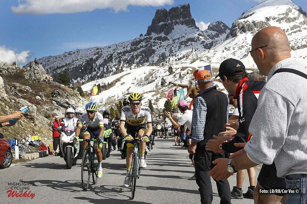 Corvara - Italy - wielrennen - cycling - radsport - cyclisme - Steven Kruijswijk (Netherlands / Team LottoNL - Jumbo) - Chaves Rubio Jhoan Esteban (Columbia / Team Orica Greenedge) pictured during stage 14 of the 99th Giro d'Italia 2016 from Alpago to Corvara 210 km - foto LB/RB/Cor Vos © 2016
