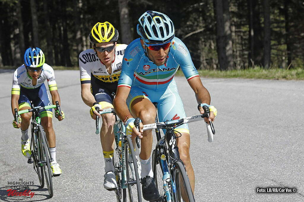 Corvara - Italy - wielrennen - cycling - radsport - cyclisme - Vincenzo Nibali (Astana) - Steven Kruijswijk (Netherlands / Team LottoNL - Jumbo) - Chaves Rubio Jhoan Esteban (Columbia / Team Orica Greenedge) pictured during stage 14 of the 99th Giro d'Italia 2016 from Alpago to Corvara 210 km - foto LB/RB/Cor Vos © 2016