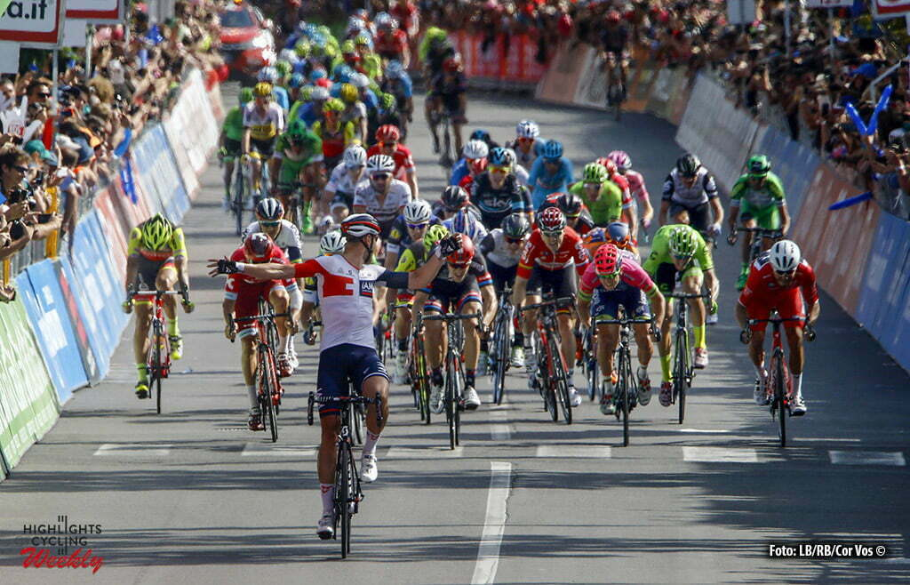 Cassano d'Adda - Italy - wielrennen - cycling - radsport - cyclisme - Roger Kluge (IAM Cycling) - Nizzolo Giacomo (Italie / Trek Factory Racing) - Arndt Nikias (Germany / Team Giant - Alpecin) pictured during stage 17 of the 99th Giro d'Italia 2016 from Molveno - Cassano d'Adda 196 km - foto LB/RB/Cor Vos © 2016