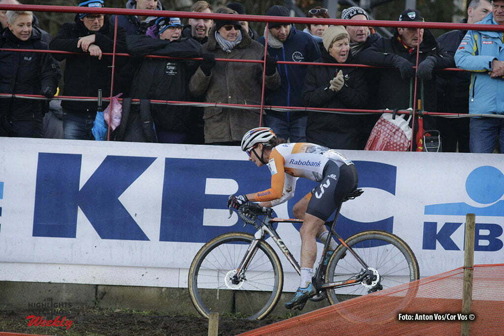Heusden - Zolder - Belgium - wielrennen - cycling - radsport - cyclisme - Vos Marianne (Netherlands / Rabobank Liv Women Cycling Team) - pictured during the Worldcup Cyclocross for women in Zolder, Belgium - photo Anton Vos/Cor Vos © 2016