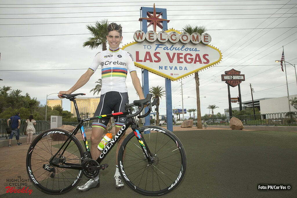 Las Vegas - USA - wielrennen - cycling - radsport - cyclisme - Wout Van Aert , rider of Team Crelan-Vastgoedservice poses during a photoshoot at the Las Vegas strip prior to the 1st leg of the men's elite UCI cyclo-cross World Cup 2016 race, the Clif Bar Fabulous CrossVegas on September 20, 2016 in Las Vegas, USA - photo PN/Cor Vos © 2016