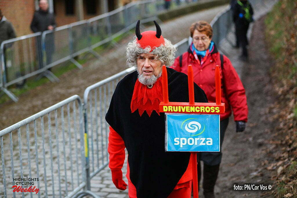 Overijse - Belgium - wielrennen - cycling - radsport - cyclisme - a devil look-a-like pictured during the Druivencross Overijse - photo PN/Cor Vos © 2016