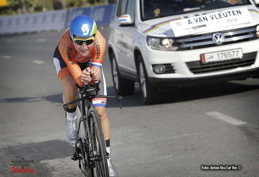Doha - Qatar - wielrennen - cycling - radsport - cyclisme - ITT women Time Trial Individual - Van Vleuten Annemiek (Netherlands / Orica AIS) pictured during The UCI Road World Championships 2016 in Qatar - photo Anton Vos/Cor Vos © 2016