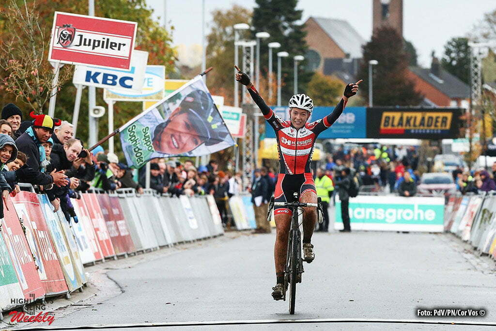 Ruddervoorde - Belgium - wielrennen - cycling - radsport - cyclisme - veldrijden - cyclocross - Sophie de Boer (Ned) pictured during the Hansgrohe Superprestige cyclocross in Ruddervoorde for elite women - photo PD/PN/Cor Vos © 2015