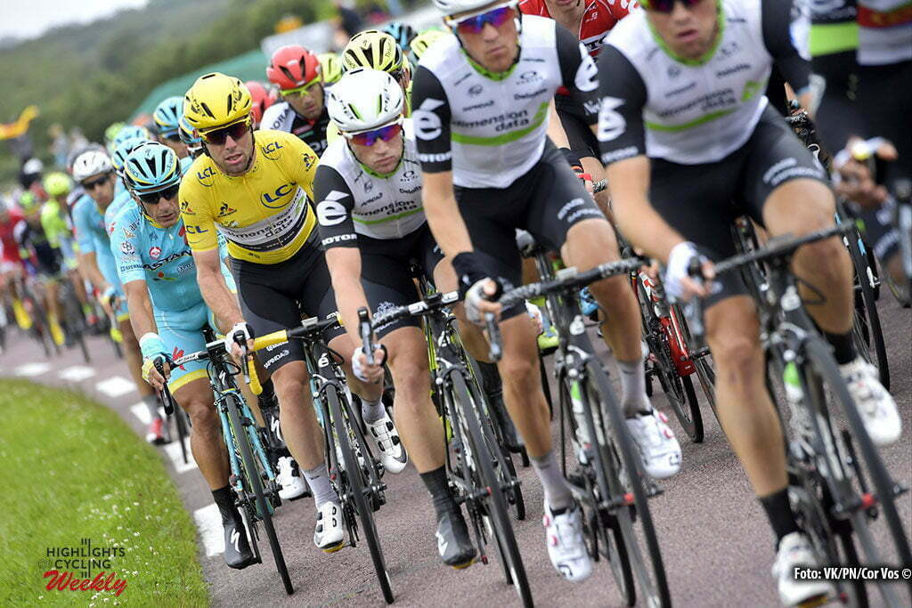 Cherbourg-Octeville - France - wielrennen - cycling - radsport - cyclisme - Mark Cavendish (GBR-Dimension Data) and teammates pictured during stage 2 of the 2016 Tour de France from Saint-Lo to Cherbourg-Octeville, 182.00 km - photo NV/PN/Cor Vos © 2016
