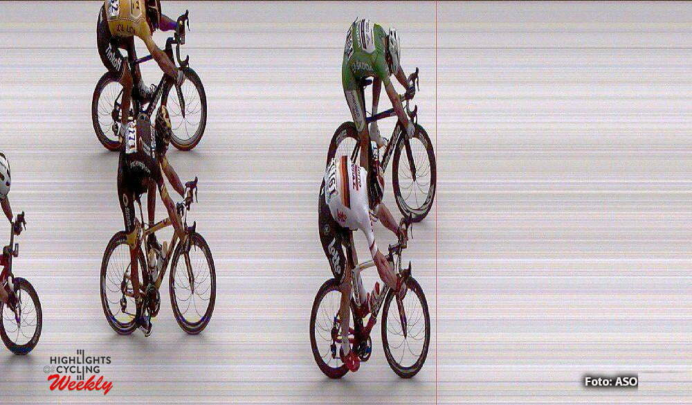 Angers - France - wielrennen - cycling - radsport - cyclisme - photofinish picture of Andre Greipel (GER-Lotto-Soudal) and Mark Cavendish (GBR-Dimension Data) pictured during stage 3 of the 2016 Tour de France from Granville to Angers, 222.00 km - photo Free of rights photo (C) ASO/Cor Vos © 2016