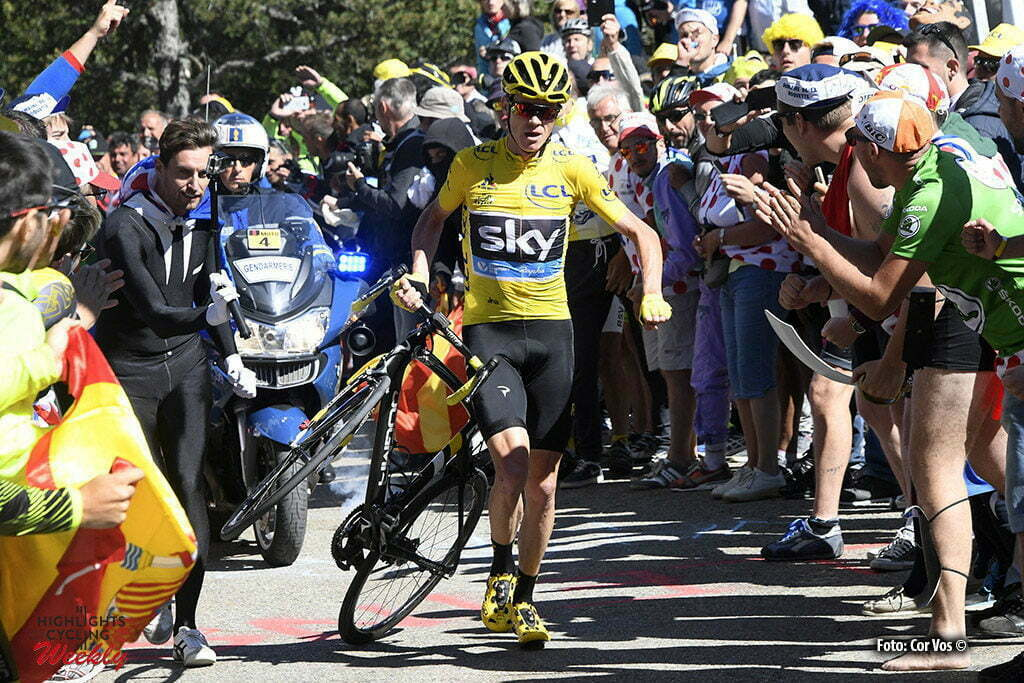 Mont Ventoux - Chalet Reynard - France - wielrennen - cycling - radsport - cyclisme - the crash in the last kilometer of the Mont Ventoux climb - Chris Froome (GBR-Team Sky) pictured during stage 12 of the 2016 Tour de France from Montpellier to Mont Ventoux Chalet Reynard , 179.00 km - photo Pool Bernard Papon/Cor Vos © 2016