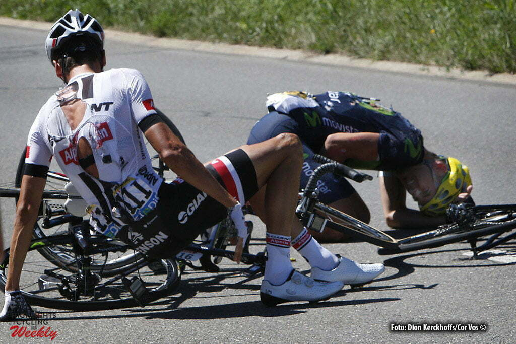 Finhaut-Emosson - Suisse - wielrennen - cycling - radsport - cyclisme - crach val-chute-crash Warren Barguil (FRA-Giant-Alpecin) - Gorka Izagirre (SPA-Movistar) pictured during stage 17 of the 2016 Tour de France from Bern to Finhaut-Emosson, 184.00 km - photo Dion Kerkhoffs/Cor Vos © 2016