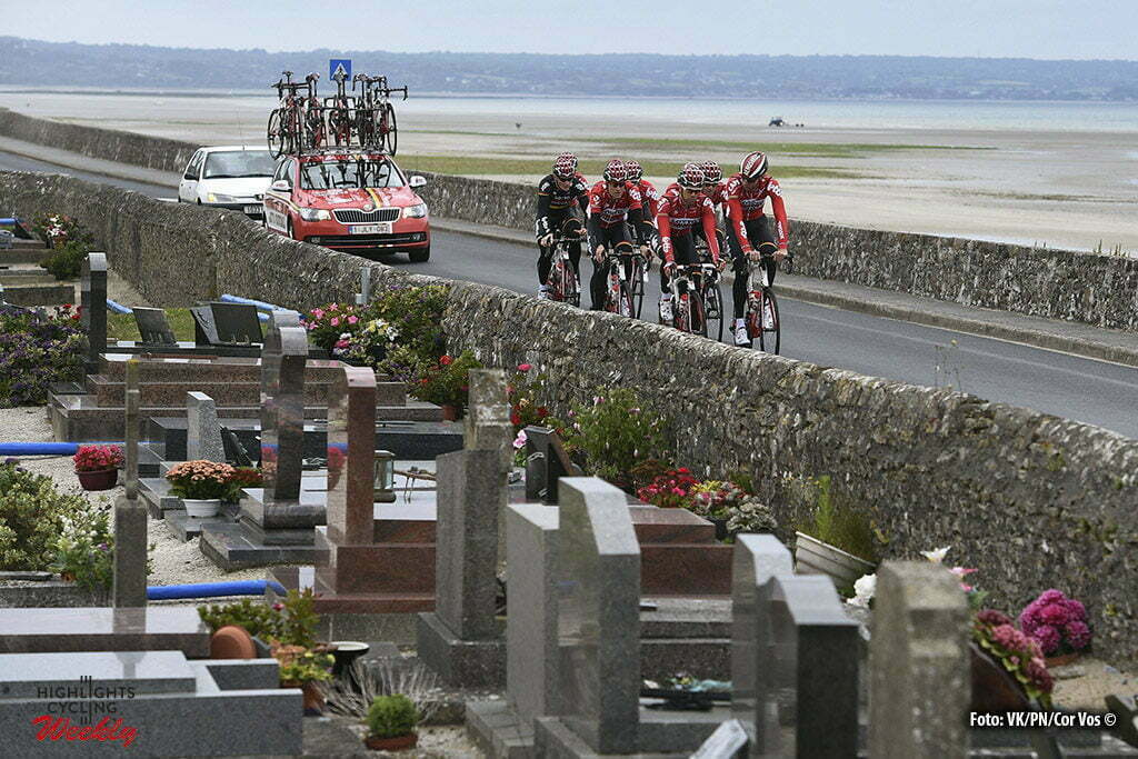 Utah Beach - France - wielrennen - cycling - radsport - illustration - sfeer - illustratie Team Lotto Soudal pictured during a team reconnaissance of the stage 1 of the 2016 Tour de France a 188 km stage between Mont-Saint-Michel and Utah Beach Sainte-Marie-Du-Mont, on June 29, 2016 in Utah Beach, France , Photo VK/PN/Cor Vos ©