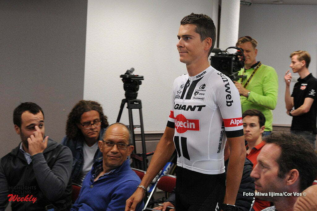 Port-en-Bessin - France - wielrennen - cycling - radsport - cyclisme - Warren Barguil (France / Team Giant - Alpecin) pictured during presentation Team Giant - Alpecin in new Tour de France outfit - photo Miwa IIjima/Cor Vos © 2016